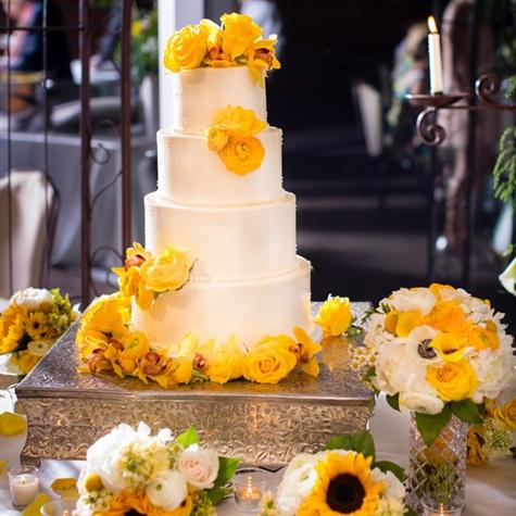 Yellow Rose Decorated Cake