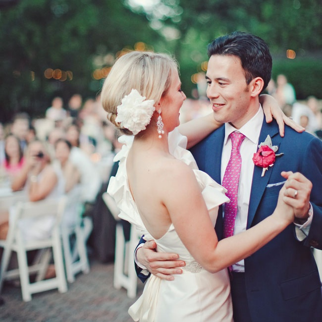 "The couple chose Fleetwood Mac's ""Songbird"" for their first dance."