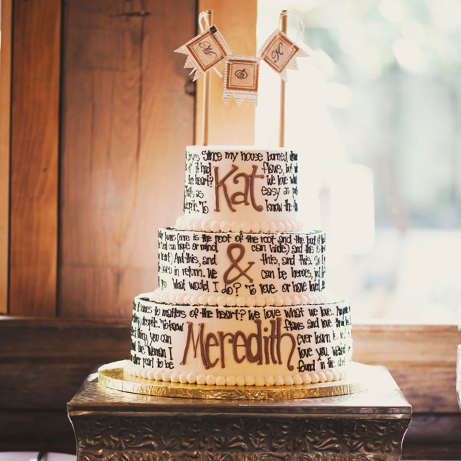 A selection of the couple's favorite literary quotes (and a few David Bowie lyrics!) wrapped around the buttercream cake.