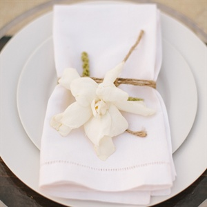 Gardenia, Moss and Twine Place Settings