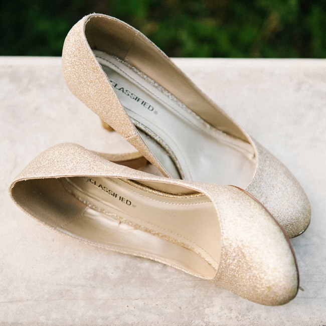 Sarah Jane chose a pair of shimmery gold pumps to give her bridal look a hint of glam.