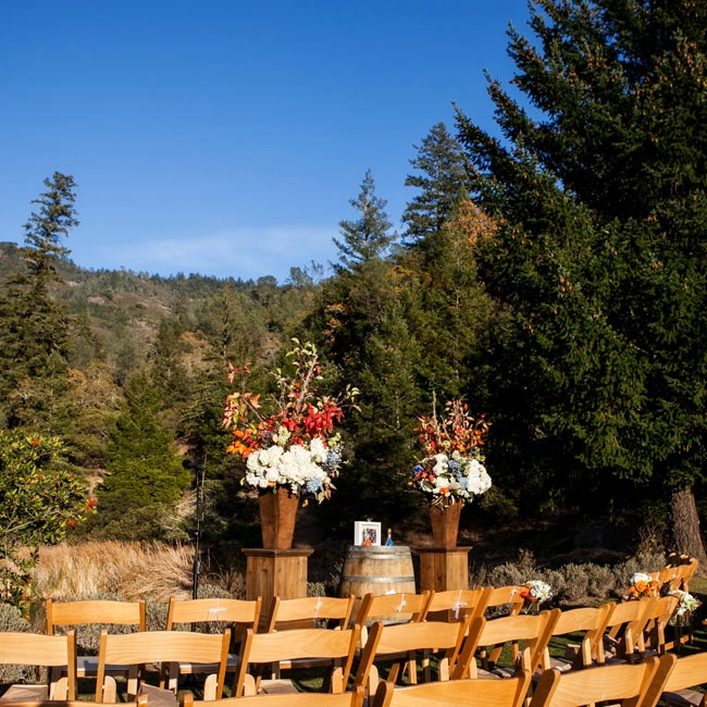 Chris and Doug chose the Lommel Lawn at Calistoga Ranch for their ceremony because of its beautiful canyon views. The couple also liked that the resort was local for them, but a destination for their guests.