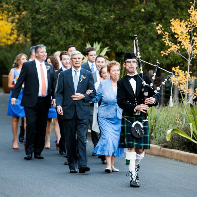 As a nod to Doug's Irish and Scottish heritage, the couple hired a bagpiper from Wine Country Entertainment to lead the processional.