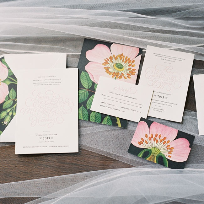 Lauren is a designer and illustrator, so she made a custom invitation suite featuring romantic typography and floral details.