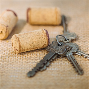 Keys and Corks Reception Decor
