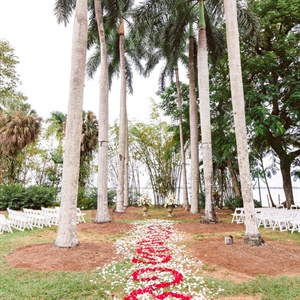 Ceremony with Aisle Decor