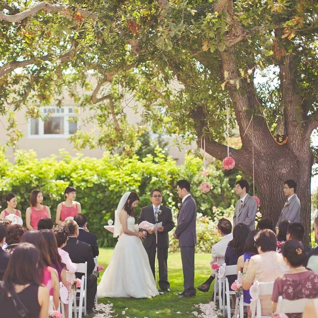 The ceremony took place outside of the La Jolla Woman's Club under the shade of an Oak tree.