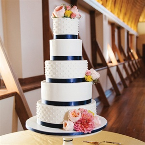 Preppy Navy and White Cake