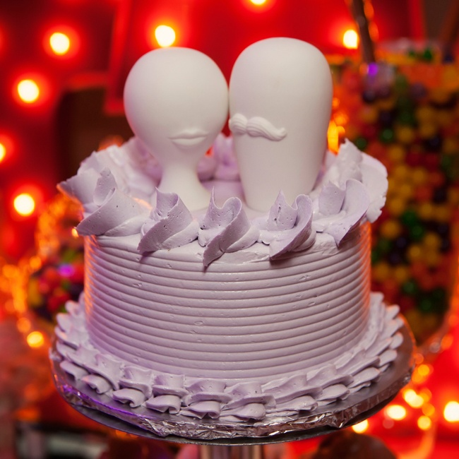 A pop art cake topper was the perfect fit for the couple's fun mid-century modern theme.