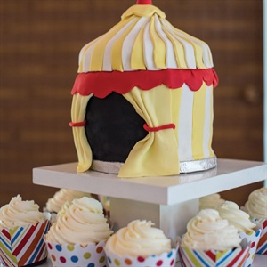 Circus Themed Cupcake Display