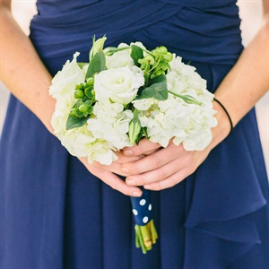 White and Green Bridesmaid Bouquets