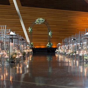 Lantern and Candle Aisle Liner