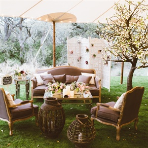 Vintage-Rustic Lounge Area