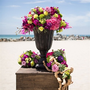 Bright Beach Wedding Decor