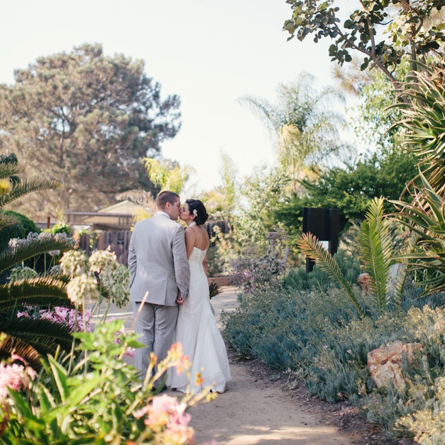 San Diego's beautiful Botanic Garden served as the perfect, enchanted background for the bride and groom's ceremony and reception.