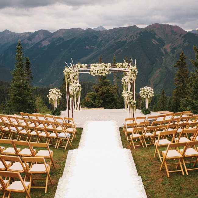 Mountain Wedding Ceremony: A Contemporary Mountain Wedding At The Little Nell In