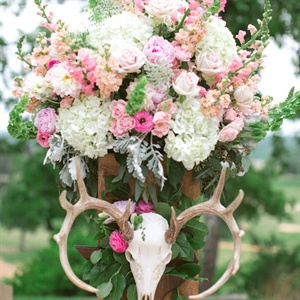 Ranch-Inspired Ceremony Flowers