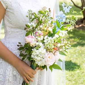 Wild Vintage-Inspired Bridal Bouquet