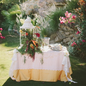 Vintage Chic Welcome Table