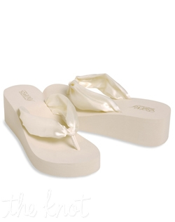 White or ivory satin flip flop. Sizes S-XL.