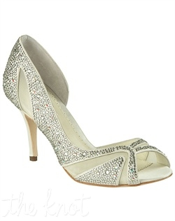 Ivory pump features crystal coating and mesh. Sizes 5, 6-10