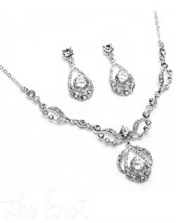 Gold or sterling silver plated jewelry set features Austrian crystals.