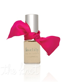 The lovelily fragrance features top notes of fresh lychee, apple, kiwi and pear blossom; floral notes of jasmine, pink lily, star magnolia, osmanthus, gardenia and crisp fig; base notes of white cocoa, crystallized sugar, tonka bean, vanilla, teak, sandalwood, patchouli and musk. Available in Eau de Parfum spray.