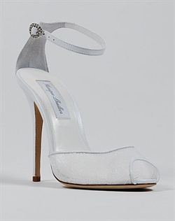 Lace wedding shoe by Monique Lhuillier