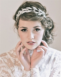 Looking for Lady Mary&#39;s Downton Abbey look? Enchanted Atelier does it beautifully with this Swarovski crystal leave and delicate floral crown headband.