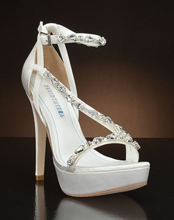 Strappy platform pump