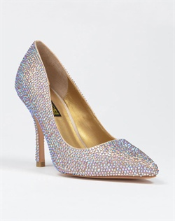Pointed toe pump with Austrian crystals