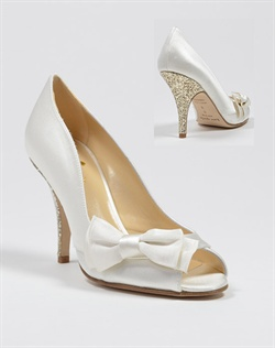 Peep toe pump with glittery heel