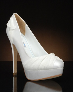 Round toe platform pump with chiffon accents