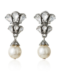 These crystal bridal earrings from designer Ben Amun will bring a touch of retro style to your wedding day jewelry. Sparkling Swarovski crystal are set in an exotic fan motif that recalls the swing of 1920s and 1930s glamour, while pearl drops shimmer and throw off a subtle glow.