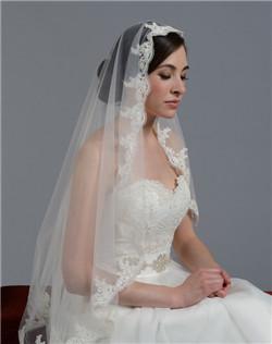 lace mantilla veil