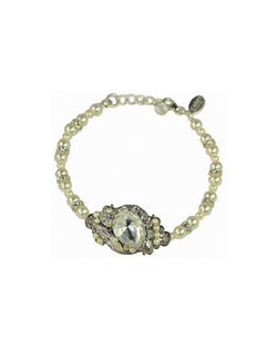 A delicate touch of bling with the softness of pearls, sets this bracelet a part from the rest. Bracelet measures 7 inches plus 1/2 inch adjustable chain.