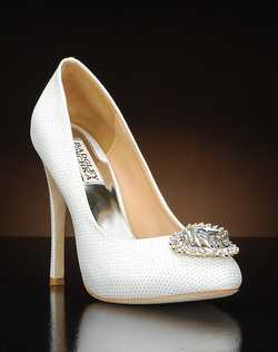 Round toe pump with crystal embellishment