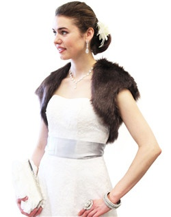 Glamourous Sable Faux Fox Fur Crop Bolero Jacket will leave you warm and cozy during your winter wedding, bridal event, or formal dinner.  Great Quality Faux Fur at Low Prices
