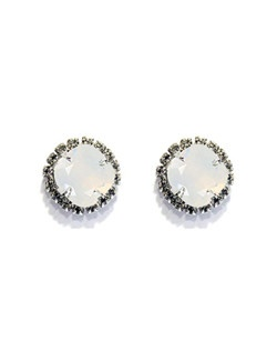 These classic cushion cut studs are perfect for the wedding day and beyond! Included in The Watercolor Collection by Ti Adoro, white opal Swarovski crystal accented with a clear rhinestone bezel. Rhodium metal. Available in several colors! Please select from clear, vintage rose, gold shadow, silk, sky, white opal, pacific opal, amethyst, antique pink, blue opal or violet.