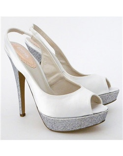"4 3/4"" heel with a 1 1/4"" platform"