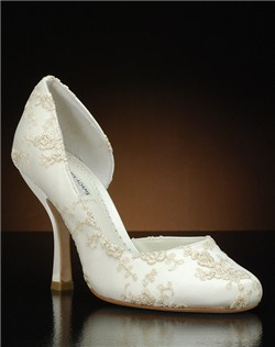 Partial d'orsay heel with embroidered lace overlay