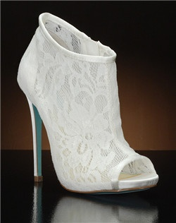 Open toe lace bootie with side zipper