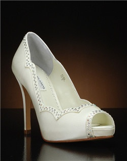 Peep to pump with scalloped edge and Austrian crystals