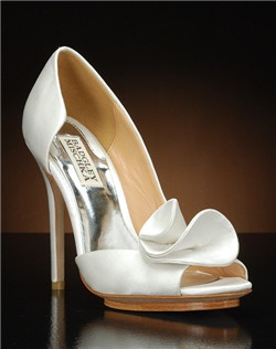 Partial d'orsay heel with flower detail