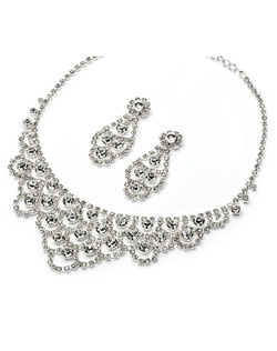 This jewelry set is composed of glistening rhinestones amongst an elegant design