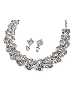 Pearl Bliss Wedding Choker Set is an amazing pearl and rhinestone, silver plated choker in a floral vine pattern.