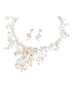 This jewelry set is all hand-wired with beautiful freshwater pearls, brilliant Swarovski Crystals and sparkling rhinestones in a floral vine pattern.