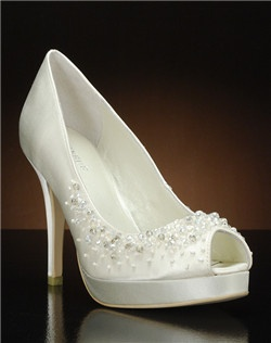 Peep toe platform pump with bead detail
