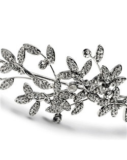 This vintage inspired bridal headband is adorned with sparkling rhinestones encrust each of the intricate leaves.