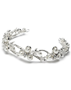 The Pearl Starfish Headband is so unique! It is a bit different from a traditional tiara, as it is not as long and is quite flexible. Therefore, making it ideal for a variety of hairstyles!